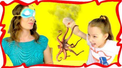 ПОНЮХАЙ или СЪЕШЬ Челлендж с Закрытыми Глазами Смешное Видео для Детей /// Вики Шоу