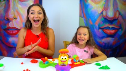 ЧЕЛЛЕНДЖ ПРЯМО В ЦЕЛЬ с Плей До CHALLENGE Play Doh Launch Game for kids /// Вики Шоу