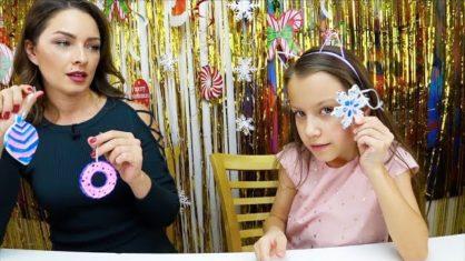 ЖАРИМ ЕЛОЧНЫЕ ИГРУШКИ Три Цвета ЧЕЛЛЕНДЖ Three Marker Christmas Toy Challenge // Вики Шоу
